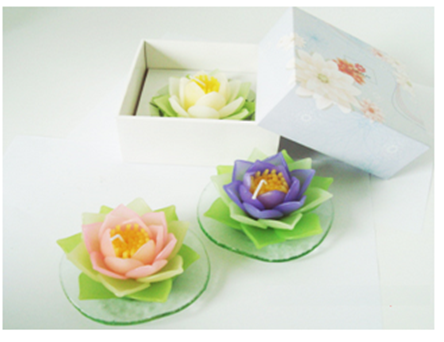 Buy Lotus candle with glass in box