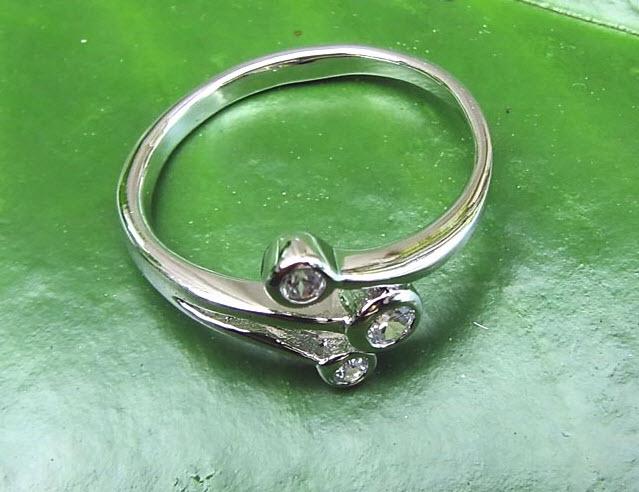 Buy Lovely White ring