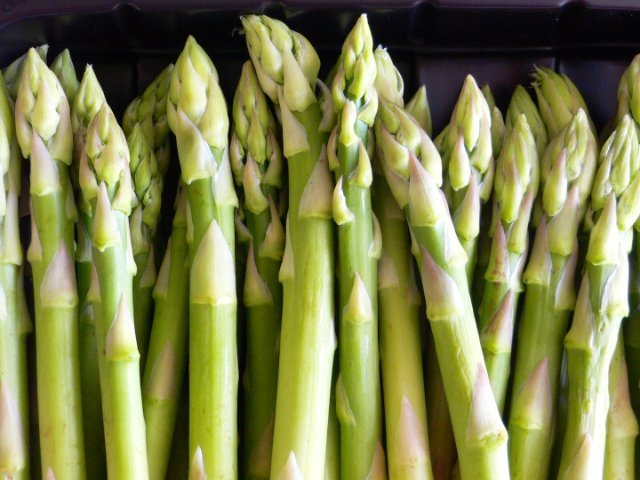 Buy Fresh Green Asparagus