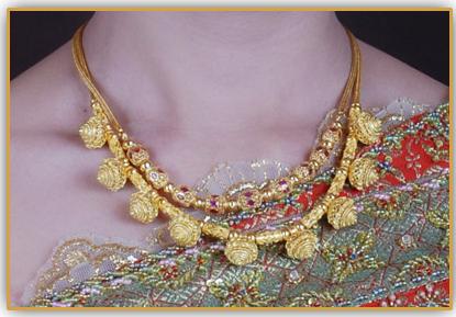 9999 Petchburi gold jewelry royal lotus necklace buy in Samphanthawong
