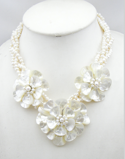Buy MOP Triple flower Necklace with white freshwater pearl