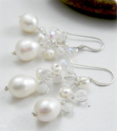 Buy White Pearl Earring