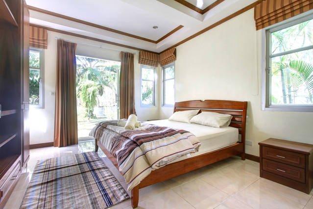 Buy Villa near the lagoon