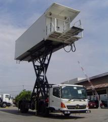 Catering Truck Hi-Loader (X Cat-ML)
