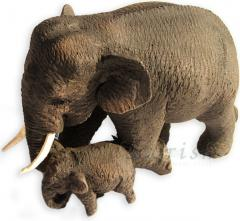 Hand Carved Teak Thai Elephants Figure : Mom and
