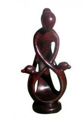 Sculpture figurine- Famiy holding hand