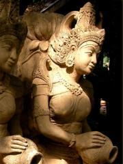 Apsorn Bali sculpture