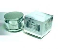 Puerarian Intensive Day Cream (Rejuvenile Facial Moisturizer)
