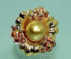 Pearl jewelry gemstone ring