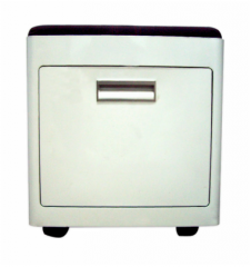 KU-101 Cutty stool with castors