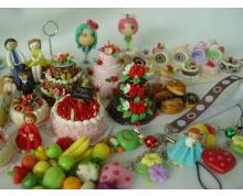 Miniature figurines made of ceramic and