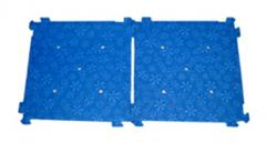 The non-slip foam floor