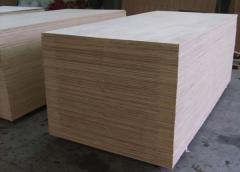 Tropical hardwood core plywood