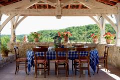 The door table set with roof