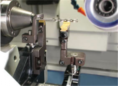 VCS: Precision V-block Clamp and Steady