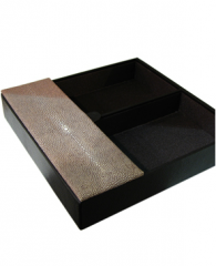 Trays (office accessories)