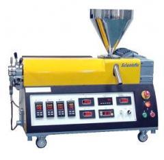 Single screw laboratory extruders
