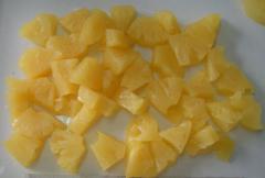 Сanned pineapple