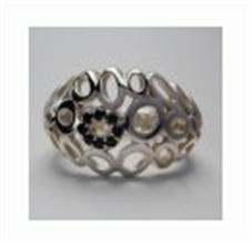 Kate silver circle with black stones