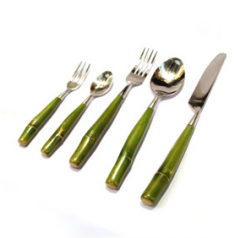 Handmade stainless steel cutlery set
