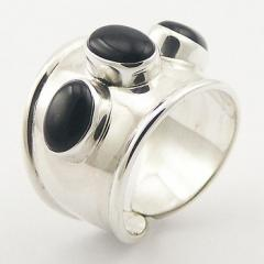 Oval Cut Black Agate Gemstone Tapering 925 Silver