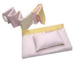 Eiffel bedding set for a crib