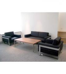 Sofa August