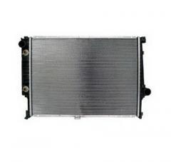 Plastic-tank aluminum radiator for passenger car