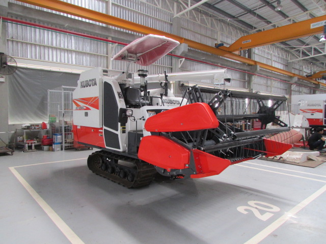used_combine_harvester_dc70g_recondition