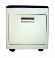 KU-101 Cutty stool with castors